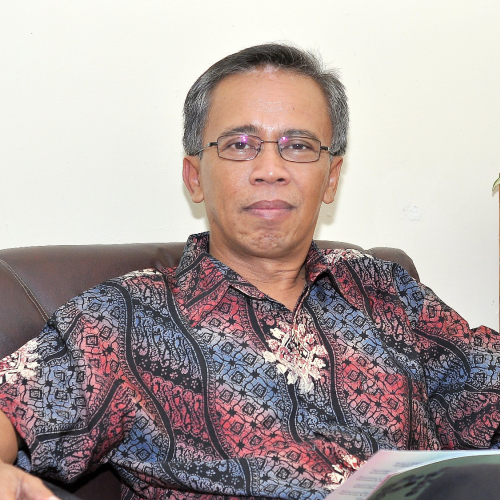 Dr. Ir. Hefni Effendi, M. Phil