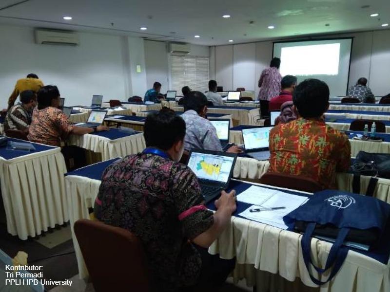 Pelatihan Dasar Sistem Informasi Geografis (SIG) 3-5 Mei 2021